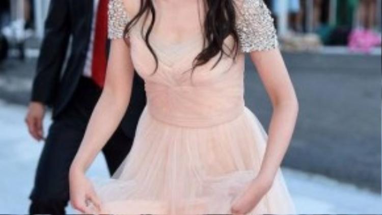 Sao nhí Kim So Hyun xinh xắn như nàng công chúa.