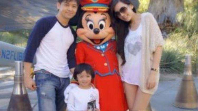 Gia đình nhỏ của Lâm Chí Dĩnh.