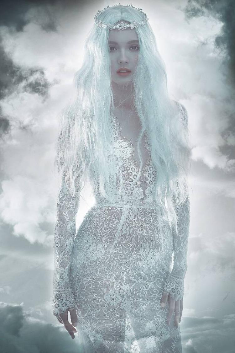 Hot girl Hải Tú hóa thành thiên thần của Chung Thanh Phong