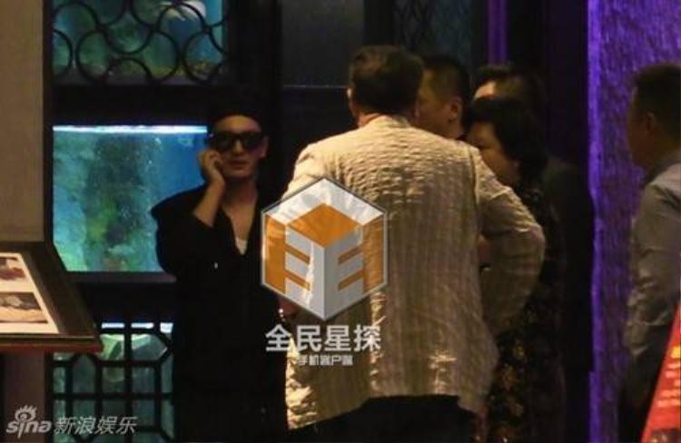Angela Baby và Huỳnh Hiểu Minh lộ diện lần đầu sau đám cưới