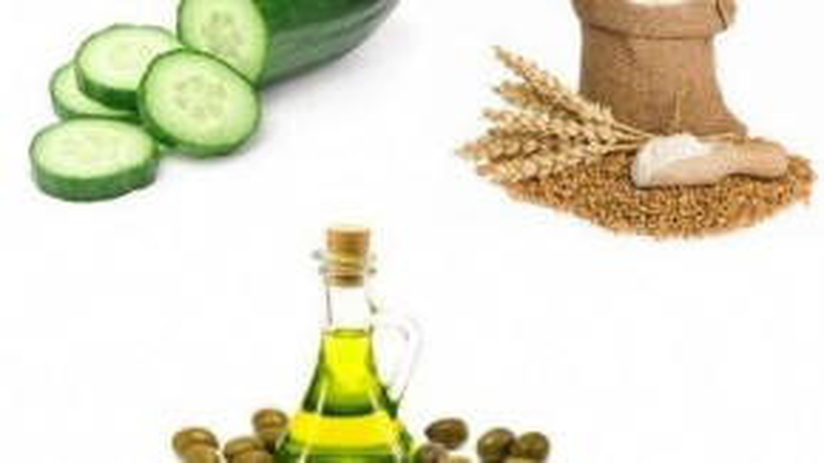 Mặt nạ chế biến từ dưa leo, bột mỳ và dầu oliu là một trong những cách làm trắng da bằng dưa leo hiệu quả nhất.