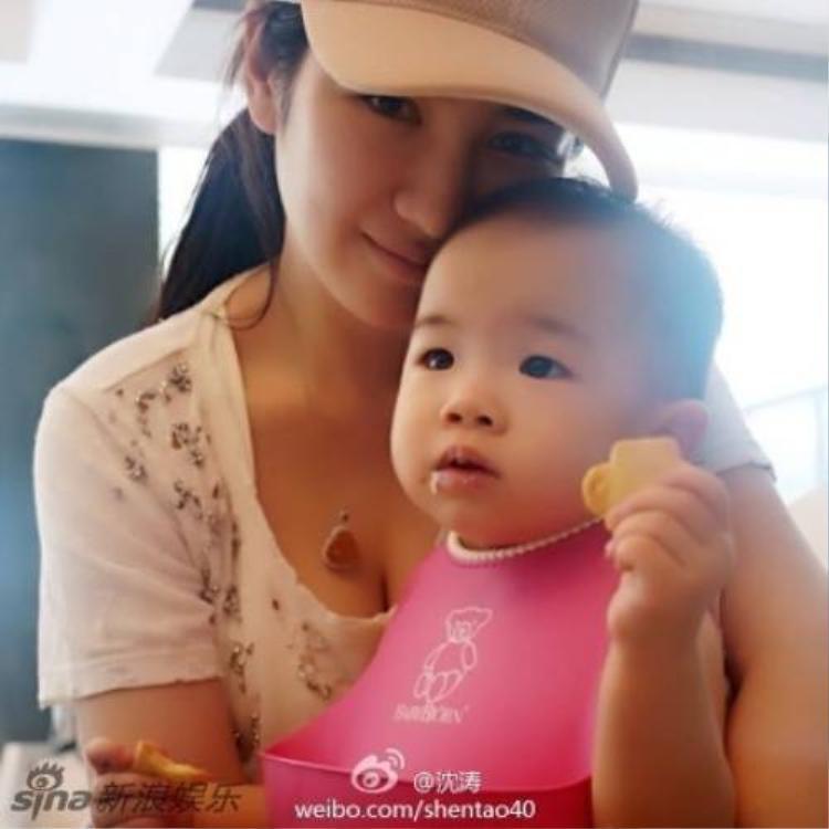 Những người đẹp Hoa ngữ lộ nghi án thẩm mỹ vì mẹ tiên, con xấu