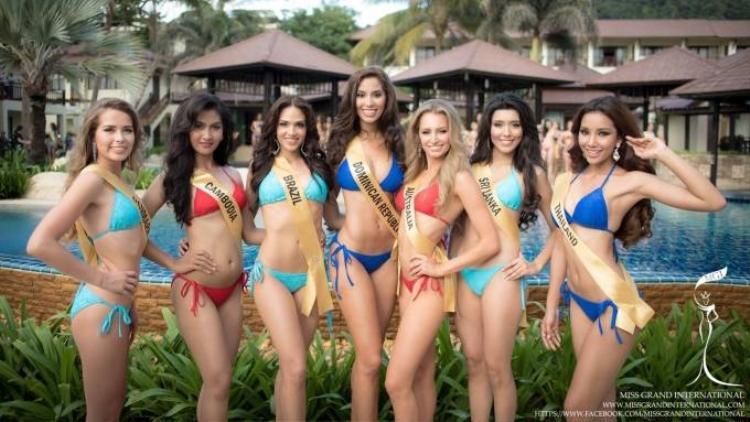 Lệ Quyên diện bikini quyến rũ không kém cạnh người đẹp Venezuela