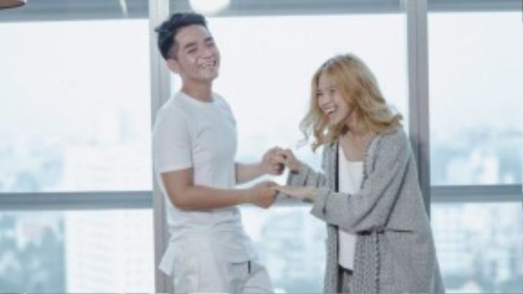 Nhiều fan hy vọng sự kết hợp này sẽ mang đến làn gió mới khác biệt hơn so với các sản phẩm trước đó của Phạm Hồng Phước.