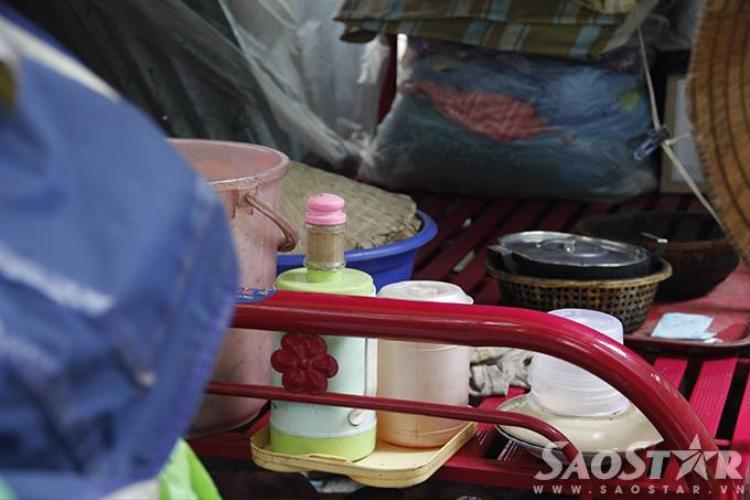 3 cụ bà 50 năm co ro trong túp lều rách nát ở vỉa hè