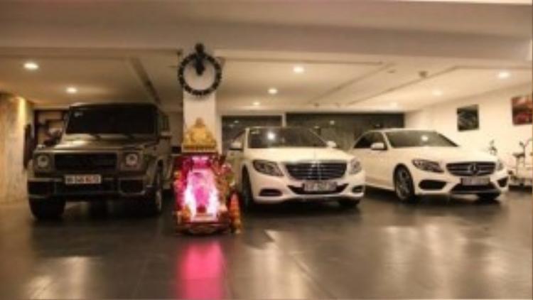 Bộ 3 sản phẩm Mercedes-Benz G55 AMG, sedan C250 và S500L mới sắm trong gara nhà Cường.
