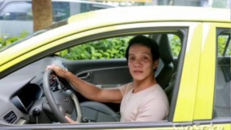 Thủ tục để đăng ký trở thành tài xế Uber không mấy phức tạp. Bạn chỉ cần có bằng lái và được chứng nhận về nhân thân rõ ràng là đã có thể gia nhập vào mạng lưới dịch vụ này.