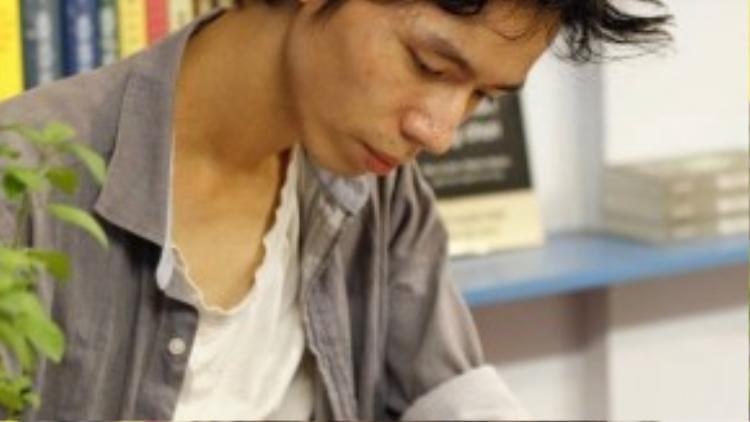 Anh Linh đã thử nghiệm chế tạo Sunbox trênnhiềuchất liệu và kiểu dáng khác nhau trước khi ra mắt phiên bản cuối cùng như hiện nay.
