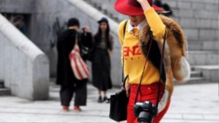 Một chiếc máy ảnh tốt sẽ giúp bạn ghi lại và truyền tải những phong cách thời trang độc đáo.