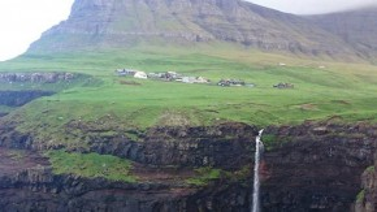"""Điều duy nhất Garfors muốn nói về Faroe, một quần đảo nằm giữa Na Uy và Iceland là: """"Bạn còn chờ đợi gì nữa? Hãy tới quần đảo Faroe đi""""."""