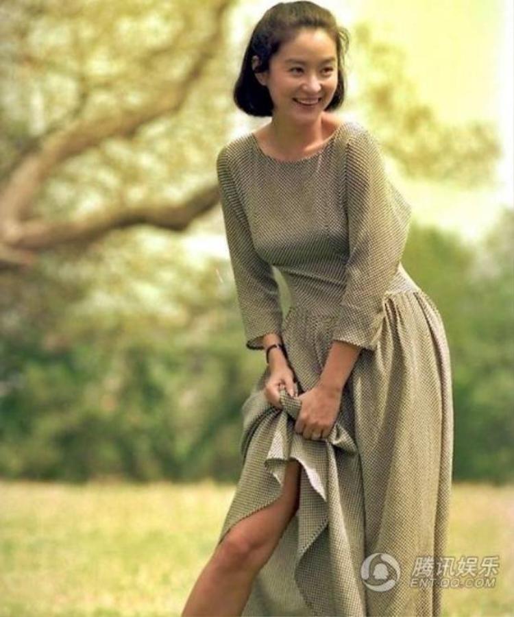 Vẻ đẹp của giai nhân khiến Phạm Băng Băng, Lưu Diệc Phi chào thua
