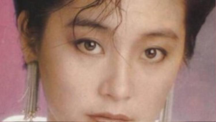Lâm Thanh Hà từng đảm nhận vai Bạch phát ma nữ trong Bạch phát ma nữ truyện, sản xuất năm 1993. Đóng cùng với cô trong tác phẩm này là diễn viên quá cố Trương Quốc Vinh. Đây là một trong những vai diễn thành công nhất trong sự nghiệp của nữ diễn viên nổi tiếng Hồng Kông. Mặc dù kỹ xảo, hình ảnh thời đó còn nhiều hạn chế, nhưng từ khâu hóa trang đến diễn xuất của Lâm Thanh Hà đều để lại ấn tượng mạnh mẽ cho khán giả tới tận bây giờ. Nhiều người vẫn thừa nhận Đông Phương do Lâm Thanh Hà đóng là kinh điển.