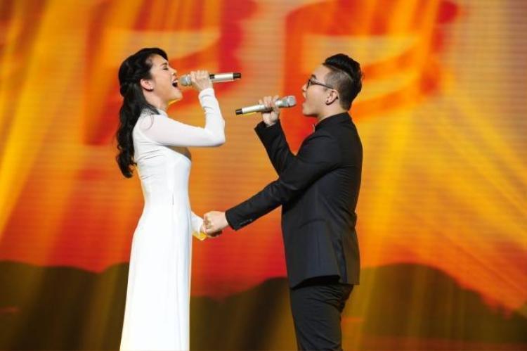 Thu Phương làm thơ tặng Hoàng Dũng mừng sinh nhật tuổi 20