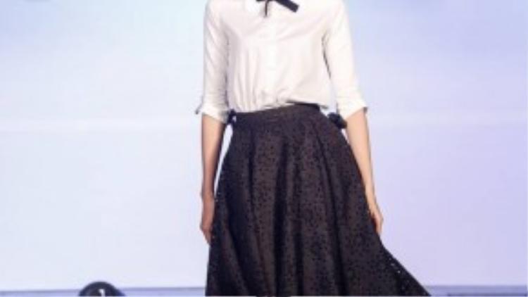Đơn giản và nhẹ nhàng, thời của cắt may lên ngôi, áo quần ready-to-wear sản xuất hàng loạt…
