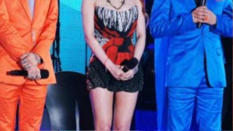 Tháng 7/2011, Park Myung Soo cùng thành viên G-Dragon của Big Bang lập thành bộ đôi GG với ca khúc I'm Having an Affair. Bài hát còn có phần góp giọng của Park Bom thuộc nhóm 2NE1. I'm Having an Affair là sản phẩm dành cho chủ đề hợp tác với một ca sĩ/nhà sản xuất mà Infinity Challenge yêu cầu. Không may cho 2 cộng sự của Park Myung Soo, G-Dragon và Park Bom về sau vướng phải scandal hút cần sa và buôn lậu chất kích thích gây ầm ĩ Kpop.