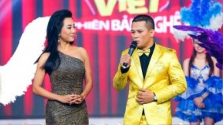 """Hình ảnh của MC Nguyễn Cao Kỳ Duyên trong tập 1 Cười xuyên Việt đã được ban tổ chức """"nhá hàng"""" trước đó."""