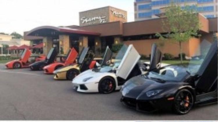 Vào năm ngoái, trước khi tham gia vào hành trình siêu xe goldRush 2014 chung của những người chơi siêu xe quốc tế, Gia Lai Team cũng đã tự tổ chức hành trình California với dàn xe triệu đô của mình.
