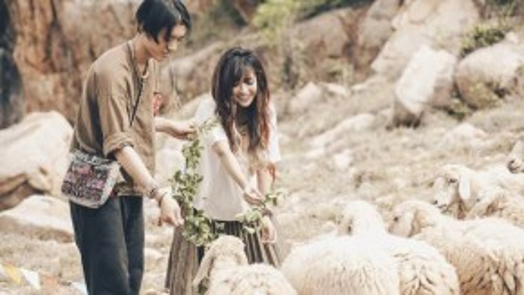 Bích Phương và bạn diễn Brian Trần.