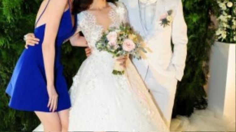 Ngọc Trinh và Tú Vi chơi thân với nhau khi cả hai cùng hợp tác trong bộ phim Vòng eo 56.