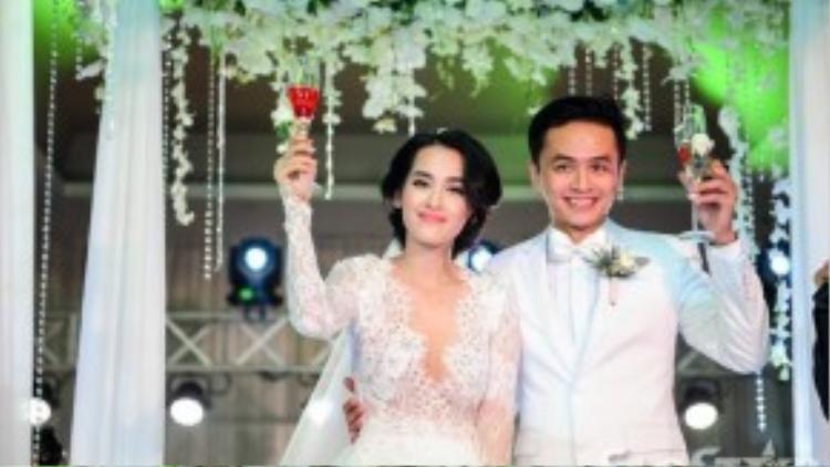Cả hai đã chính thức trở thành một cặp vợ chồng mới của giới showbiz Việt.