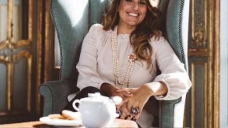 Rebecca thú nhận nhờ vào những chủ nhân giàu có mà cô có cơ hội đến thăm những địa dành mà chưa bao giờ cô mơ sẽ đặt chân đến trong đời. Cô chia sẻ mình đã từng sống và làm việc ở Mát-xcơ-va, Los Angeles, Milan, Geneva, Luân Đôn, Dubai, Brazil, Úc, Nam Phi, Hồng Kông, Bahamas, Maldives, Seychelles và Mauritius.