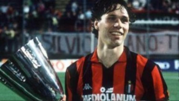 Không chỉ là thế hệ vàng đáng giá của Hà Lan, Van Basten cũng là huyền thoại của AC Milan.