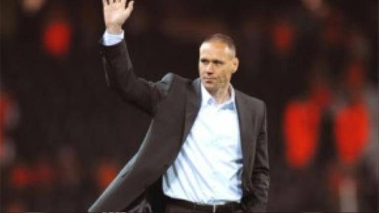 Trong màu áo huấn luyện viên, Van Basten giúp Hà Lan thăng hoa đỉnh cao vào năm 2008.