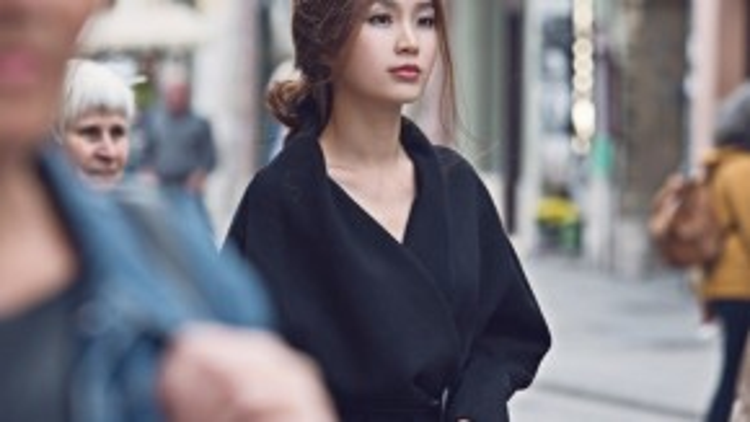 Từng có thời gian ngắn sống tại Châu Âu nên giờ đây phong cách của Diễm Trang ngày càng phóng khoáng và hiện đại hơn.