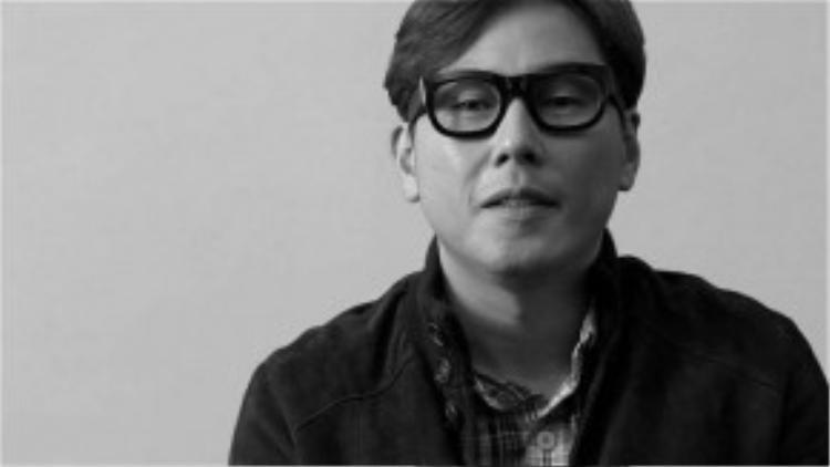 Nam ca sĩ kỳ cựu Yoon Jong Shin cũng lên tiếng về scandal của đàn em nhỏ tuổi.