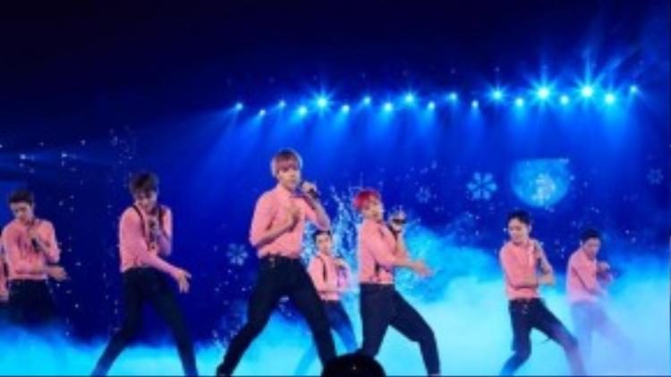 Nhóm vừa có concert dome đầu tiên thành công ở Nhật Bản.