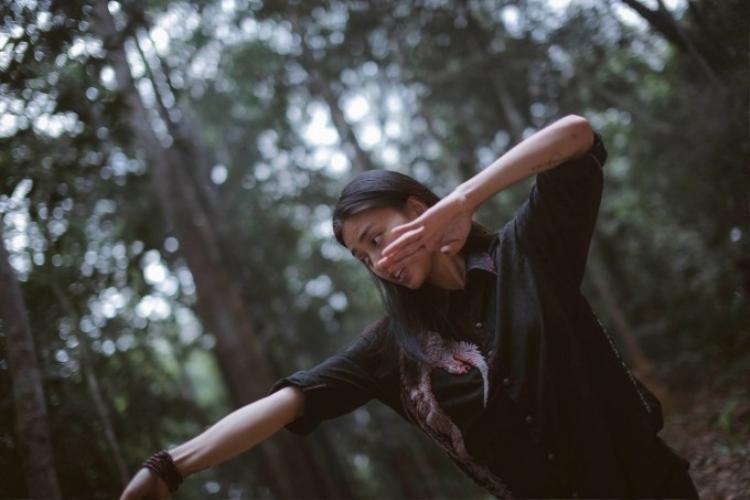 Ngô Thanh Vân đích thân thị phạm cảnh hành động trên phim trường