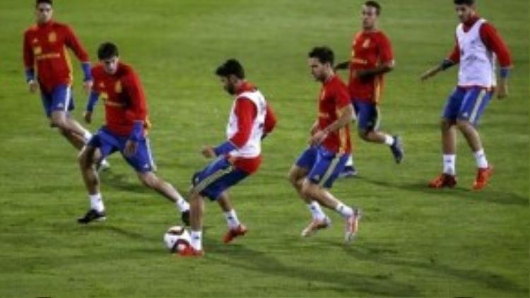 Tây Ban Nha đang tích cực tập luyện cho các trận giao hữu sắp tới.