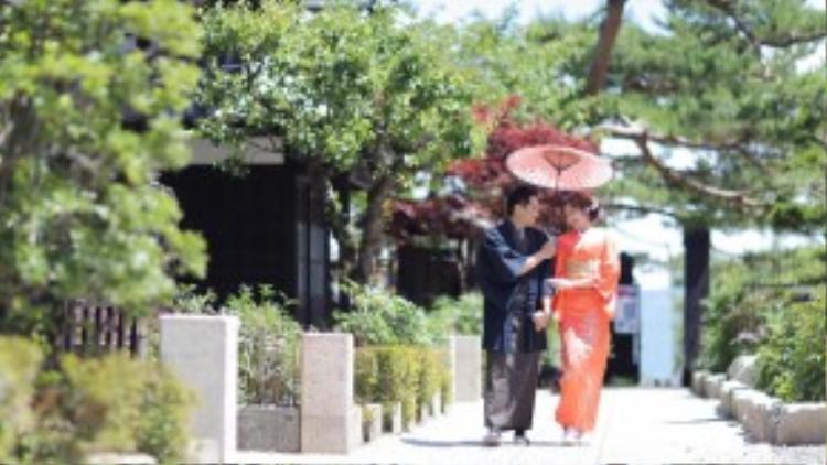 Trúc Diễm từng đi Nhật vài lần, nhưng đây là chuyến đi đặc biệt vì được hưởng tuần trăng mật cùng ông xã. Cô còn có dịp trải nghiệm nhiều nét văn hóa của đất nước Mặt trời mọc.