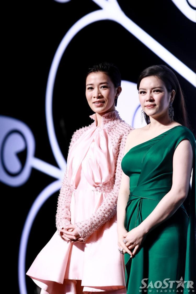 Xa Thi Mạn: Thần thái của siêu sao TVB trên thảm đỏ Việt Nam