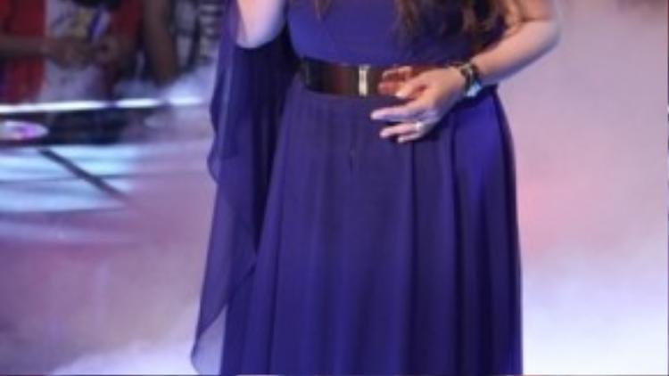 Hình ảnh của Kim Loan tại Giọng hát Việt mùa thứ nhất.