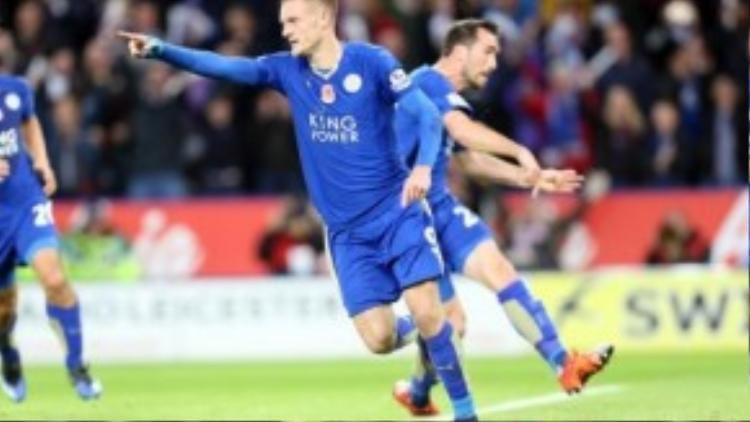 Vardy đưa đội bóng nhỏ Leicester sánh vai cùng các đại gia nước Anh. Và đó là lý do mà anh có một suất trong đội hình tuyển Anh.