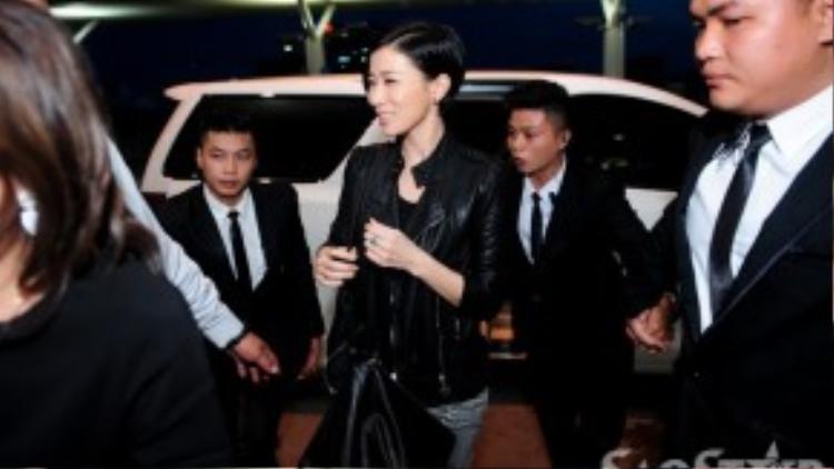 Nụ cười luôn túc trực trên gương mặt của nữ Á hậu Hồng Kông.
