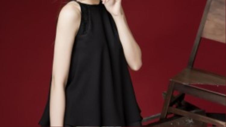 Những mẫu đầm suông đơn sắc được thiết kế trang nhã.