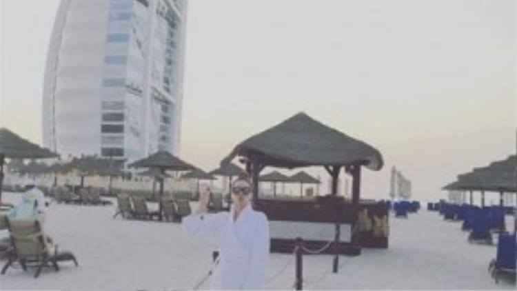 Trong khi đó, Hồ Ngọc Hà đang tận hưởng chuyến nghĩ dưỡng tại Dubai.