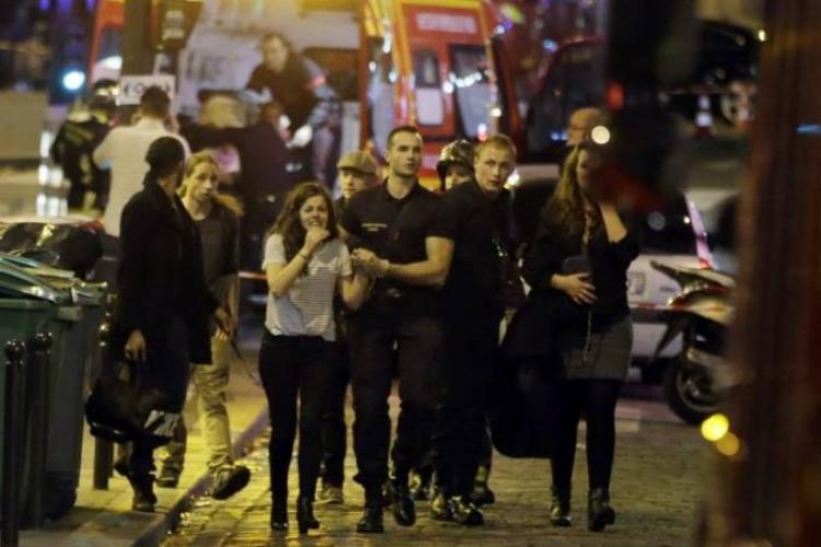 Khủng bố ở nhà hát, sân vận động tại Paris, hàng trăm người thiệt mạng