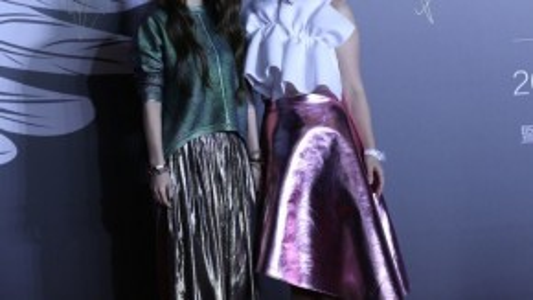 Hai cô gái Hebe và Selina của nhóm S.H.E.