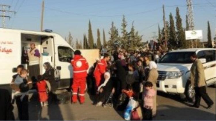 Những chuyến cứu trợ, những nhân viên tình nguyện với những công việc thiết thực với người dân ở Trung Đông.