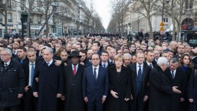 Hơn 40 nhân vật chính trị trên thế giới đồng hành cùng Tổng thống Pháp trong cuộc biểu tình chống khủng bố tại Paris.