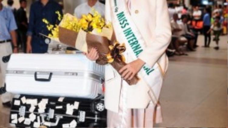 Trở về Việt Nam, Thúy Vân bắt tay vào guồng quay công việc bận rộn. Hơn thế nữa, cô cũng sẽ tiếp tục thực hiện những hoạt động thiện nguyện xung quanh nhiệm kỳ á hậu 3 Hoa hậu Quốc tế.