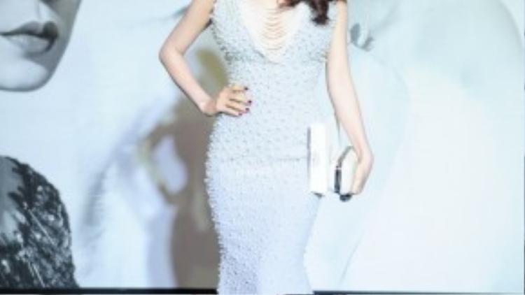 Diễm My 9x là một trong những mỹ nhân Việt chăm diện đầm sequin nhất showbiz.