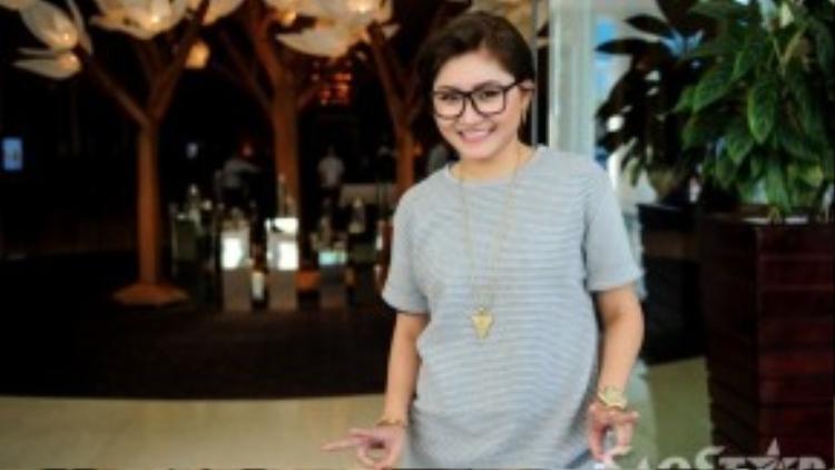 Ca sĩ Vicky Nhung.