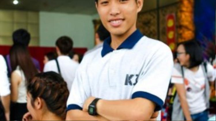 Tiến Dũng đang theo học tại Đại học sân khấu điện ảnh TP HCM, Khoa đạo diễn, lớp đạo diễn điện ảnh truyền hình K3.(Ảnh: FBNV)