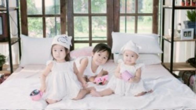Hiện tại, Lý Hải - Minh Hà đã và đang có những ngày ngập tràn hạnh phúc trong tổ ấm bé nhỏ cùng 3 nhóc tì là con trai Rio - Nguyễn Hạo Nhiên (4 tuổi), con gái Cherry - Nguyễn Hà Hải My ( và con gái Sunny - Nguyễn Tuệ Minh (11 tháng).