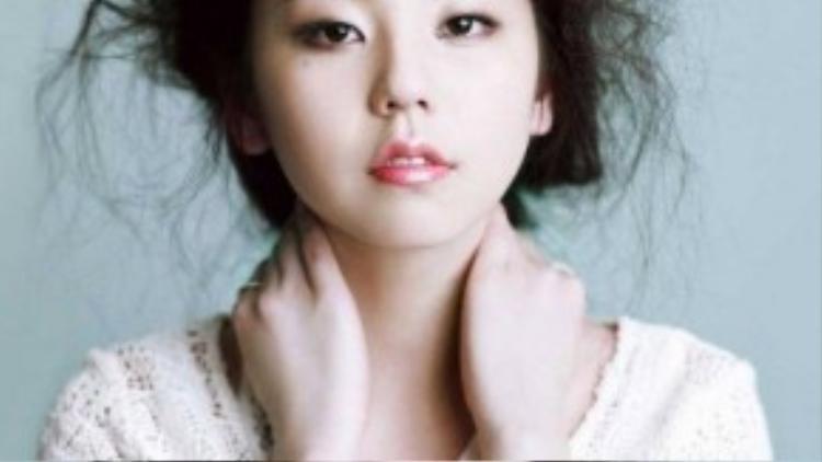 Cựu thành viên Wonder Girls - Sohee được khen ngợi vì sở hữu đôi má bầu bĩnh đáng yêu. Nhưng đối với nữ ca sĩ, đôi má này cũng khiến gương mặt cô trông như lên cân.