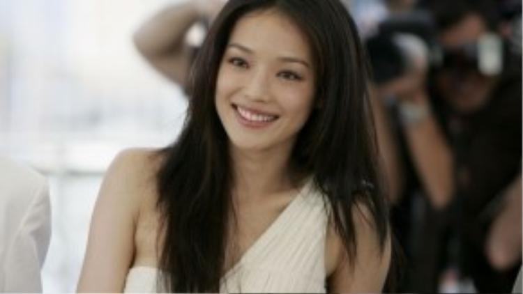 Thư Kỳ đụng độ với những đối thủ ở hạng mục Nữ diễn viên chính bao gồm: Lâm Gia Hân (Bách nhật cáo biệt), Trương Ngải Gia (Giới công sở hoa lệ), Triệu Đào (Sơn hà cố nhân), Tống Vân Hoa (My Girlhood).